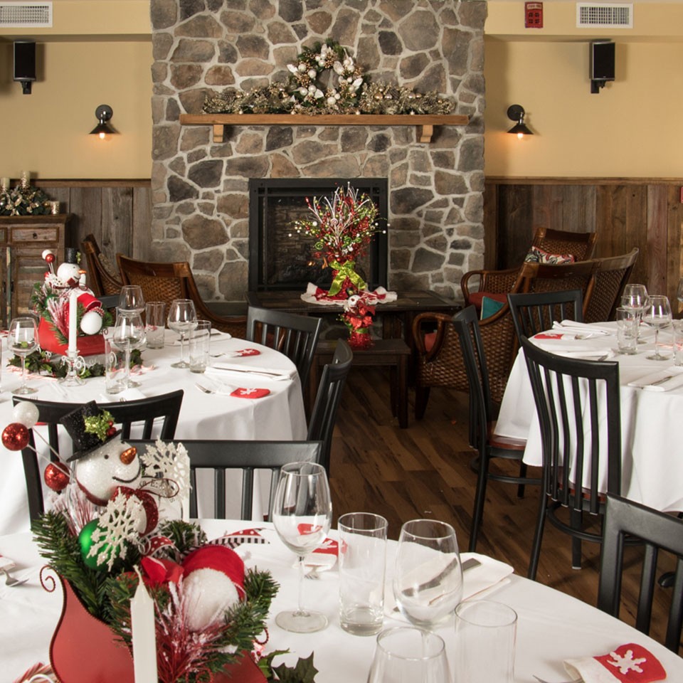 Christmas Decor at Boulder View Tavern