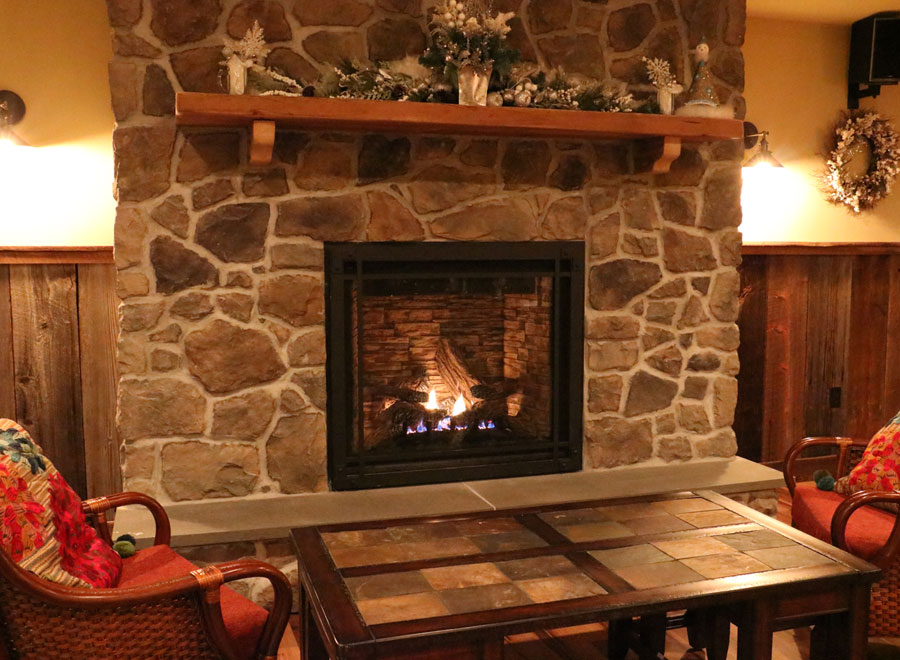 Boulder View Tavern Fireplace Lounge