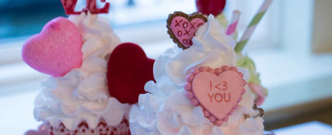 Valentine cupcake decoration
